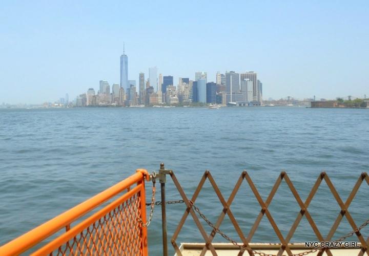 ferry-staten-island-skyline-manhattan