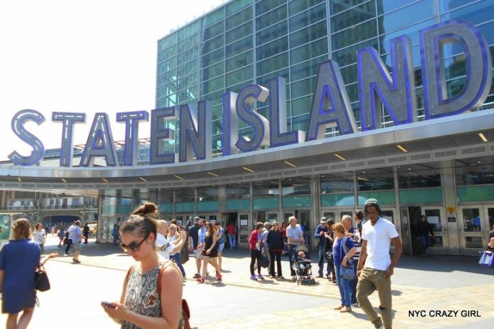 ferry-staten-island-terminal-new-york