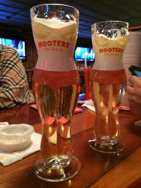 hooters-new-york-food-3