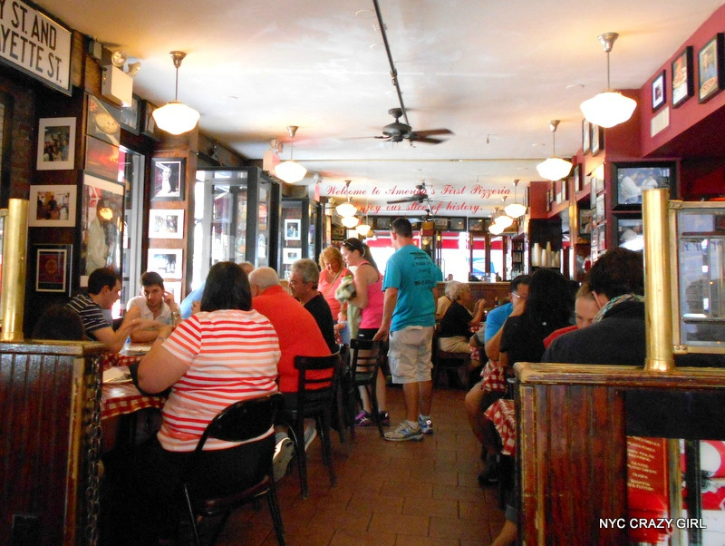 lombardis-pizza-new-york-little-italy-food-4