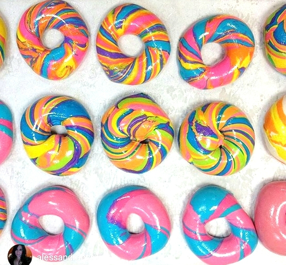 rainbow-bagel-williamsburg-brooklyn-new-york-1