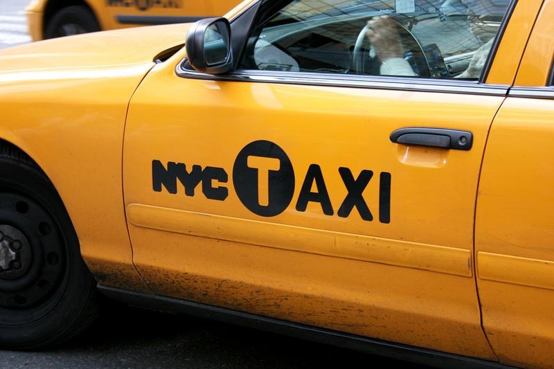 taxi-new-york-yellow-cab-booro-taxi-brooklyn