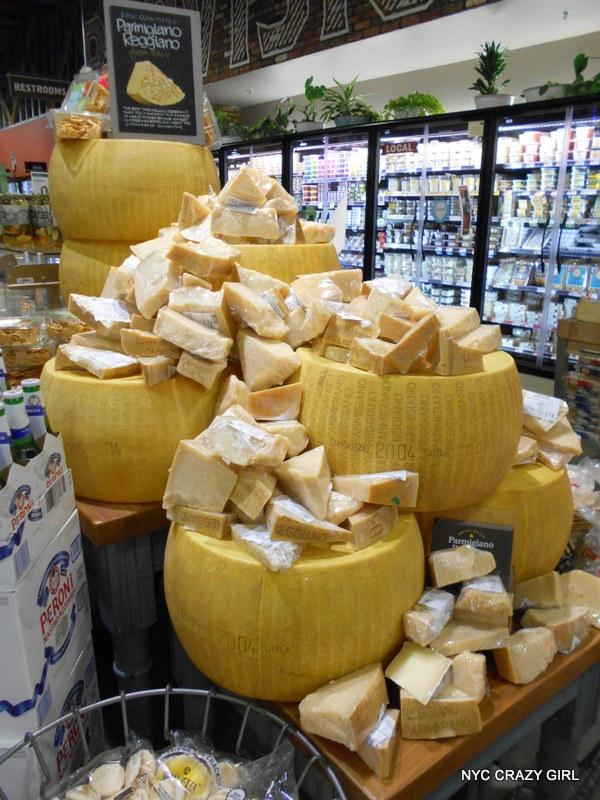 whole-foods-market-gowanus-brooklyn-new-york-food-bio-fromage