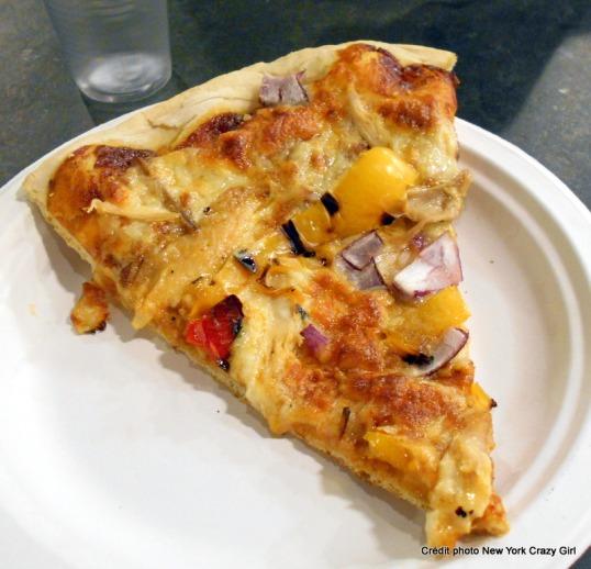whole foods market pizza poulet poivron new york londres.JPG
