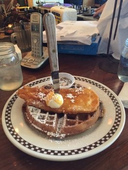 astoria-queens-new-york-brunch