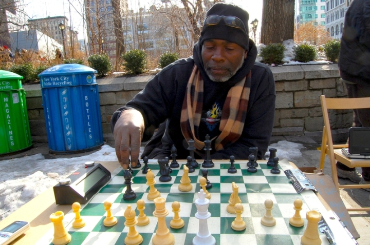 echecs-domino-washington-square-park-new-york-2