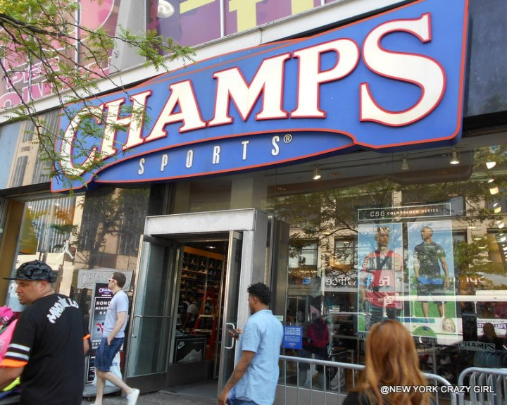 Harlem balade visite 125th street new york Champs sports