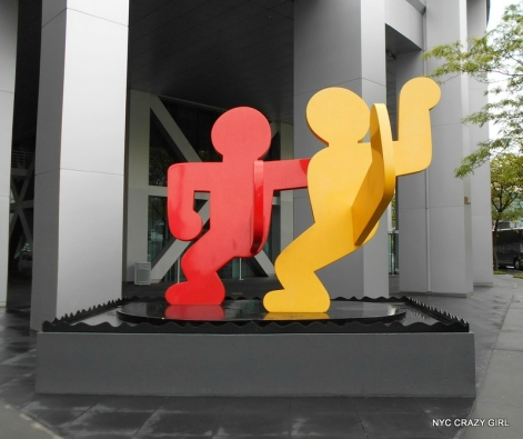 keith-haring-sculpture-new-york-wall-street