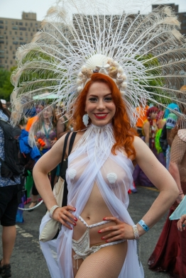 mermaid-parade-coney-island-brooklyn-new-york-14
