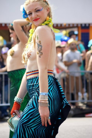 mermaid-parade-coney-island-brooklyn-new-york-9