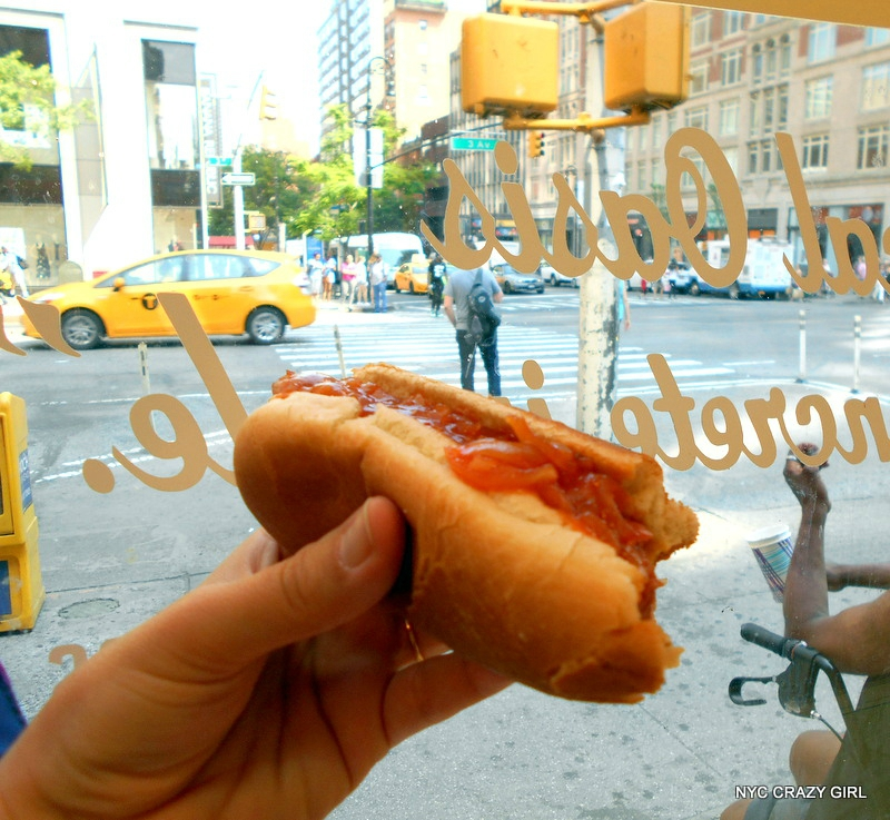 papaya-king-hot-dog-food-new-york-manhattan-2