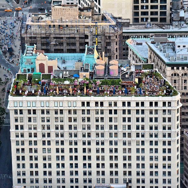 rooftop-new-york-bar-skyline-vue-observatoire-230-fifth-avenue