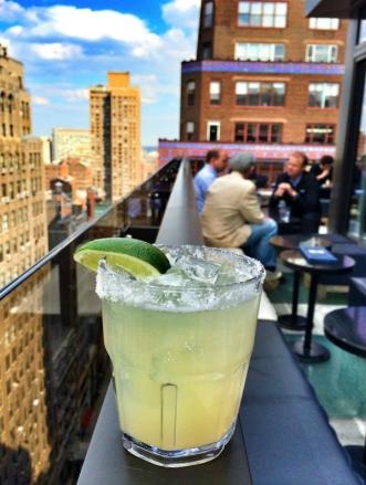 rooftop-new-york-bar-skyline-vue-observatoire-cocktail