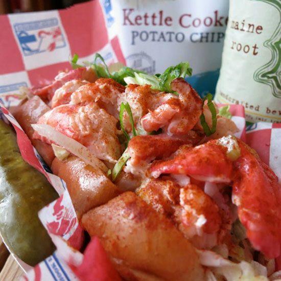 sandwich-homard-new-york-lobster-roll-food