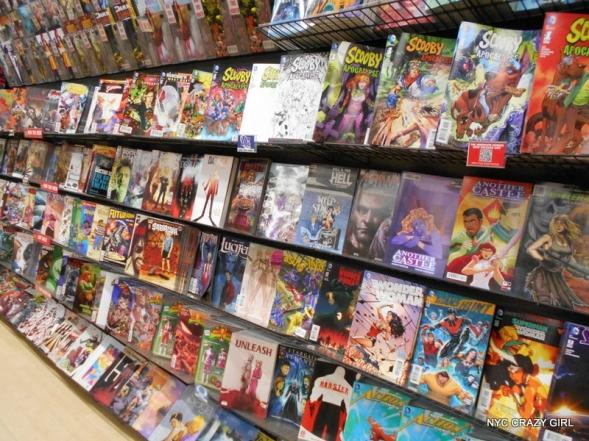super-heros-marvel-comics-new-york-midtown-comics-times-square