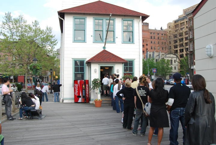 A_long_line_at_the_Brooklyn_Ice_Cream_Factory.jpg