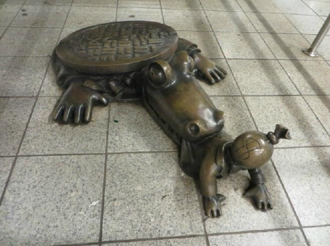 life-underground-art-new-york-mister-money-bag-2