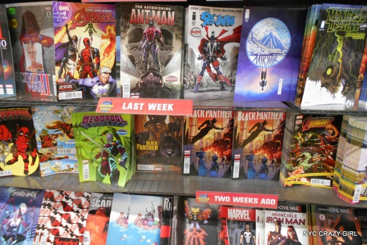 midtown comics marvezl super-héros times square new york (3)