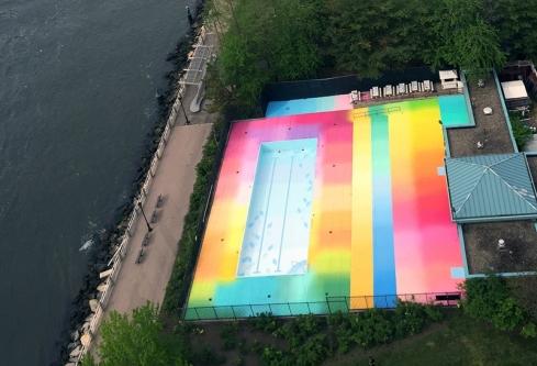 piscine-couleur-hot-tea-roosevelt-island-new-york