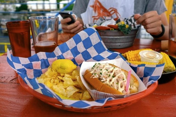 sandwich homard lobster roll new york