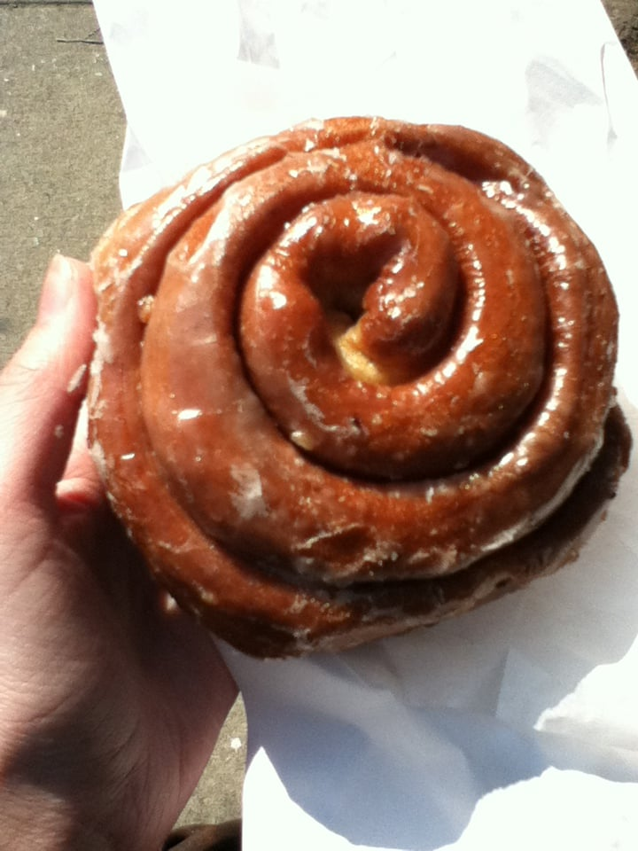 cinnamon donut bun new york