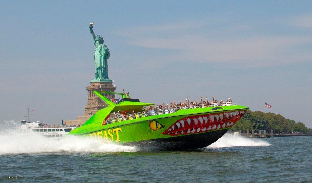 the beast the shark hors-bord new york (1)