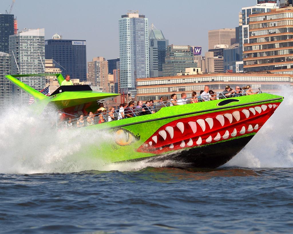 the beast the shark hors-bord new york (2)