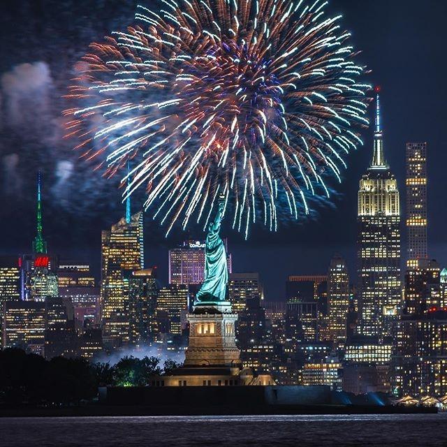 croisière feu artifice statue liberté new york