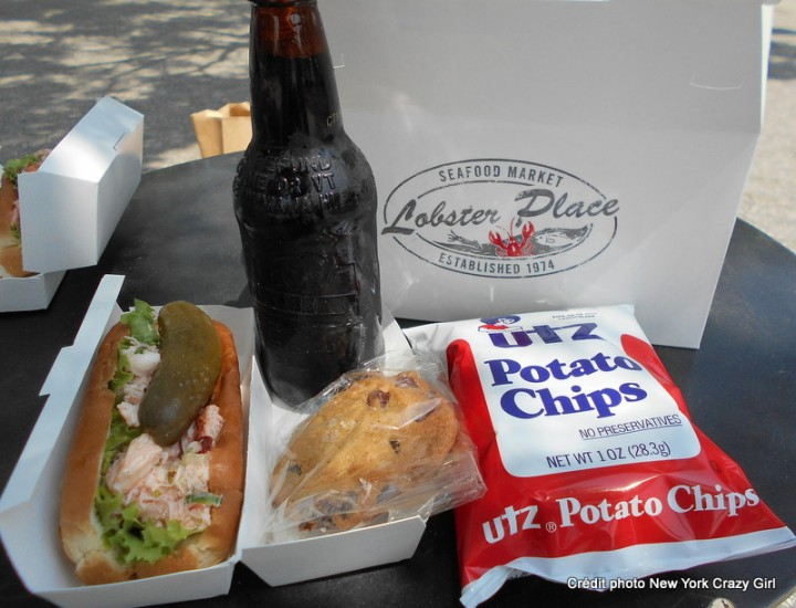 the lobster place chelsea market lobster roll new york sandwich homard (1)