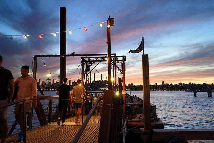 the brooklyn barge greenpoint bar.jpg