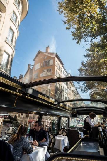trolley des lumières wagon bar lyon
