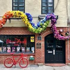 La fameuse Stonewall Inn (crédit photo bigntoasty)