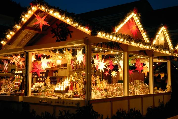Verkaufsstand am Weihnachtsmarkt